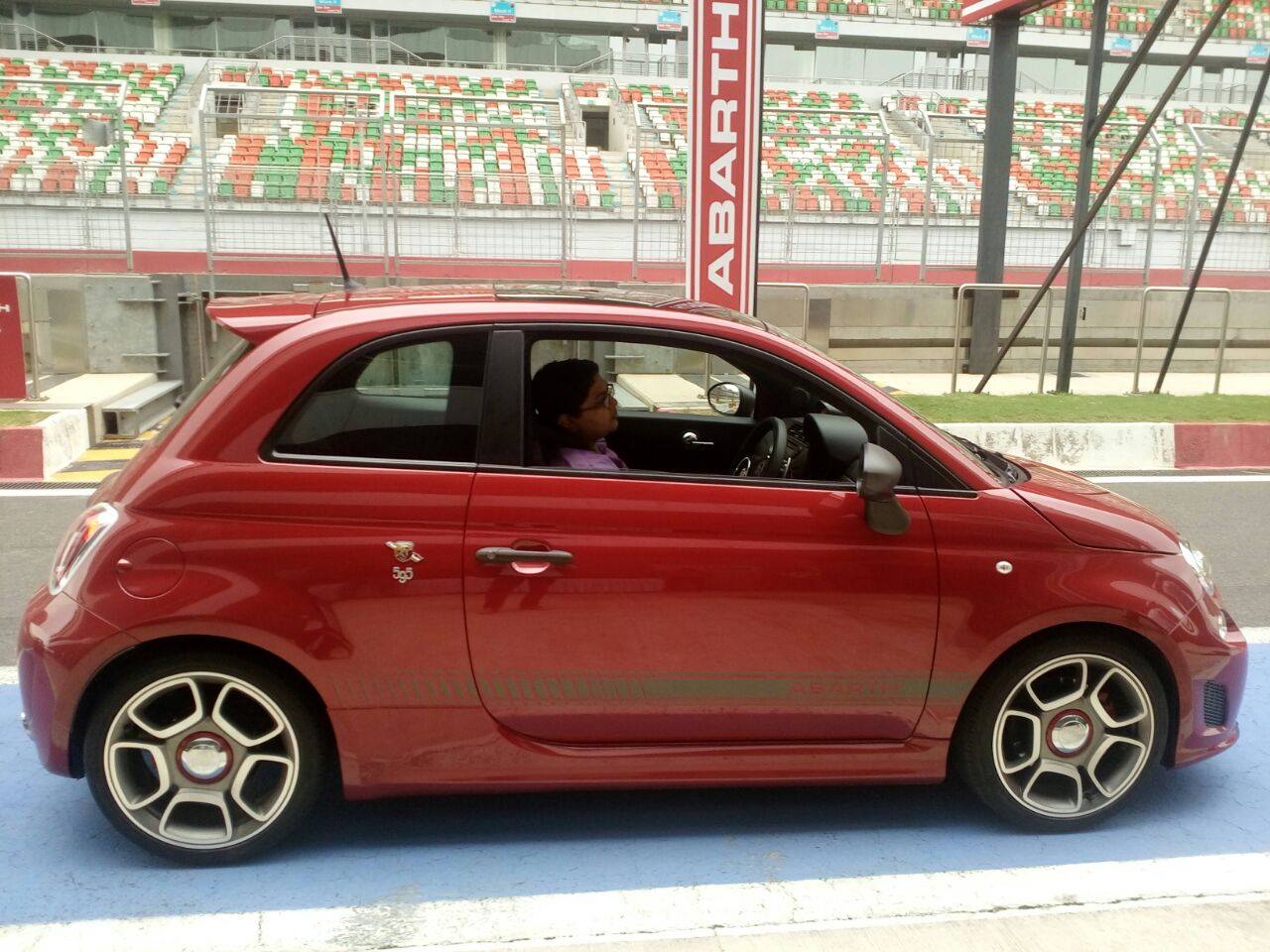 fiat abarth 595 competizione india prices pics specs. Black Bedroom Furniture Sets. Home Design Ideas
