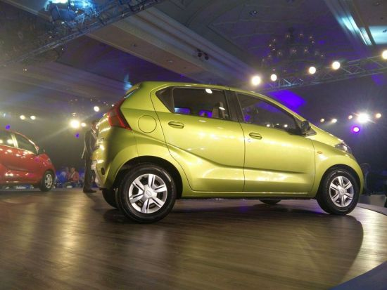 2016 Datsun Redi Go India Spec Model Green Color side profile imaeg along with details of India launch date and price