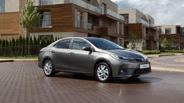 upcoming new car launches india 2017 - new 2017 toyota corolla altis india official images front angle