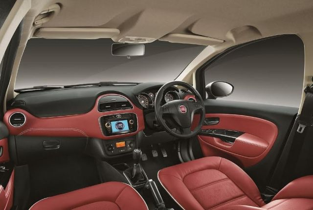 new-fiat-urban-cross-official-image-interior