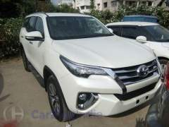 2016-toyota-fortuner-india-spy-shots-front