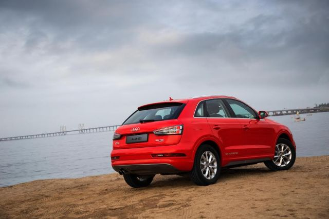 Audi Q3 Dynamic Edition India Price 39.78 lakh; Features, Specifications audi-q3-dynamic-edition-official-image-rear-angle