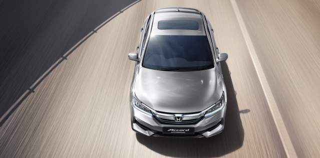 New Honda Accord 2016 India Price- 37 lakh >> Specs, Mileage, Interior honda-accord-hybrid-official-image-front-top