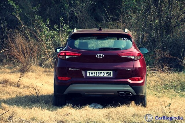 new hyundai tucson test drive review images rear