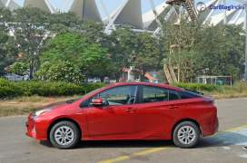new-toyota-prius-test-drive-review-india-11