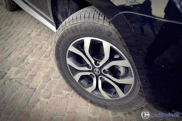 nissan terrano amt test drive review images alloy wheels