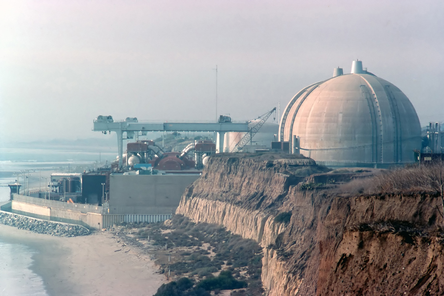 hight resolution of by4dkn nuclear power plant in san onofre california