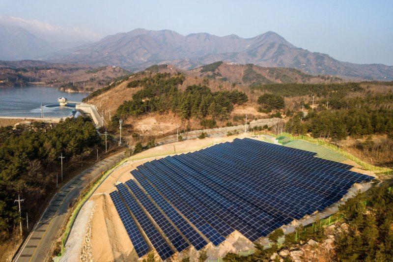 Solar panels in Goseong-gun, South Korea. Credit: dbimages / Alamy Stock Photo. KXDXPW
