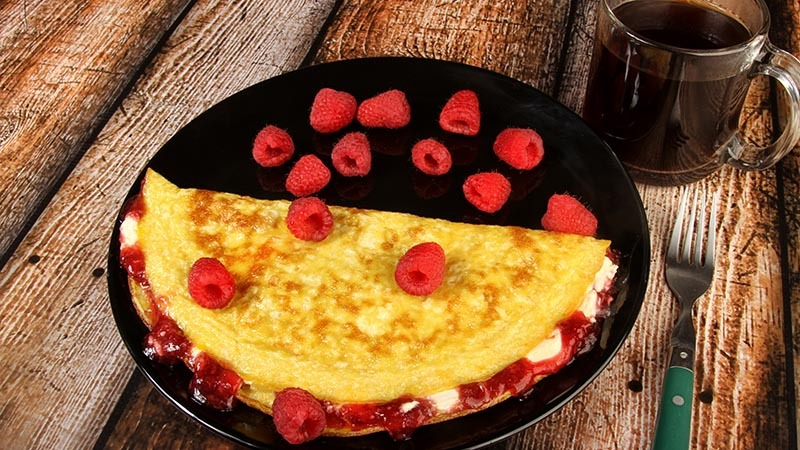 Raspberry Cream Cheese Low-Carb Omelet Recipe
