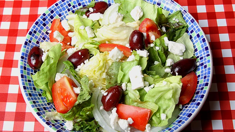 Low-Carb Classic Greek Salad Recipe