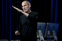 Steve Jobs Bloomberg News