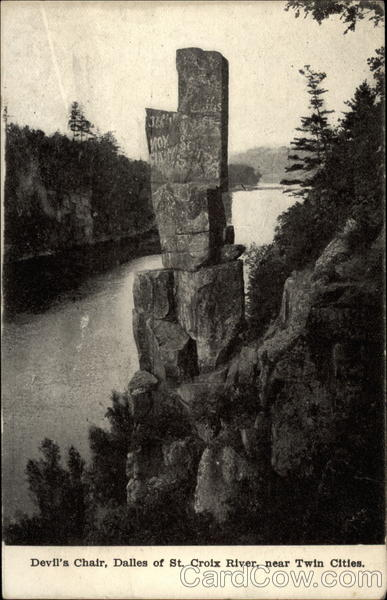 Devils Chair Dalles of St Croix River near Twin Cities