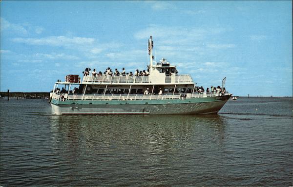 Tourist Ship Steven Thomas. Captain Rudy Thomas-Master Boats. Ships