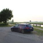 2015_Peugeot_308_SW_009