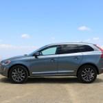 2016_Volvo_XC60_T6_AWD_002