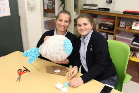 DCC Sophomores Make Piñatas for the Festival of the Arts