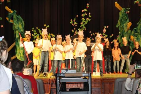 "DCC First Grade Presents A ""Barnyard Moosical"" Photo Gallery and Video"