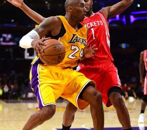 Trevor Ariza et Kobe Bryant en action