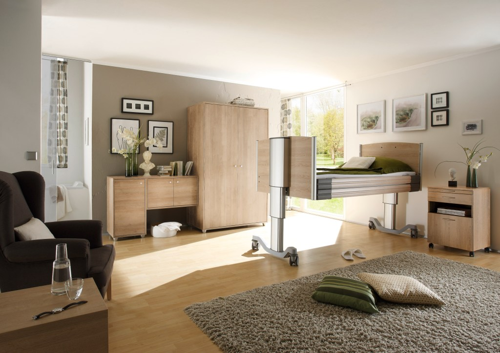 Room setting with Ultar low bed