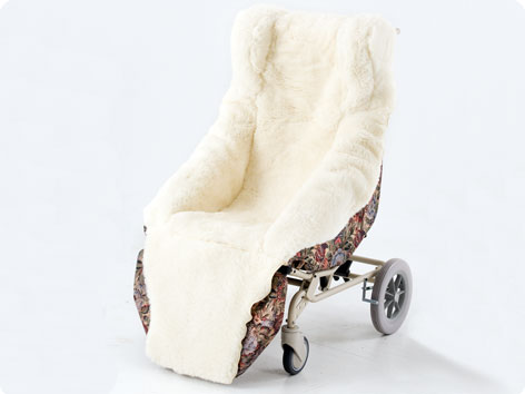Carefoam Tilt Rollabout Chair providestilt in space