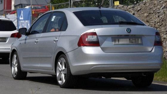 skoda rapid back view and specifications