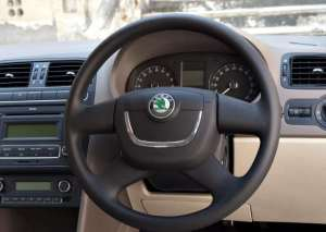 skoda rapid images and specifications