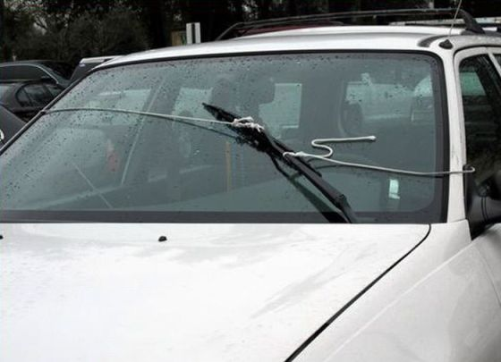 windscreen-wipers-with-string-improvisation