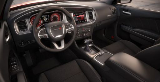 2015-dodge-charger-attention-to-interior-details