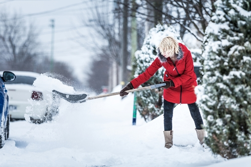 5 tips for safely shoveling snow