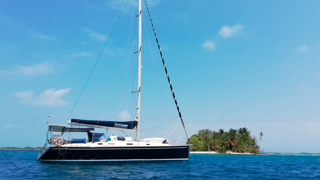 Sailboat Salona 45