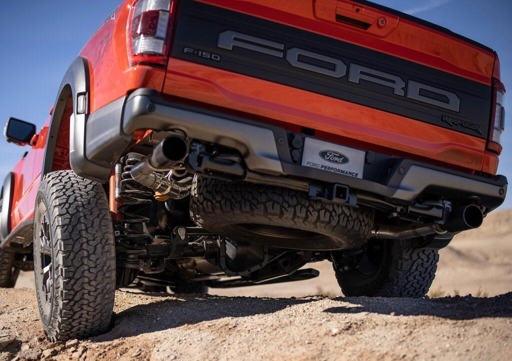 Coil Spring Rear Suspension vs Leaf Spring Setup in Ford F-150s
