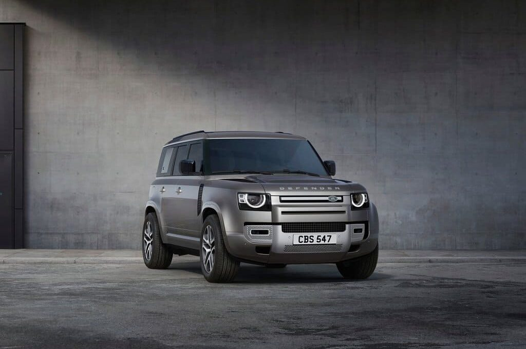 Land Rover Defender and Discovery Delivery Wait Times Can Increase