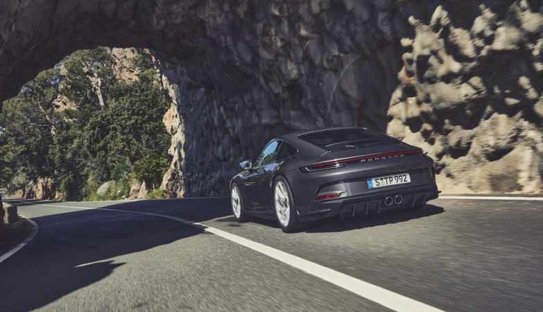 New Porsche 911 GT3 Offers Touring Package with Omitted Fixed Rear Wing_1