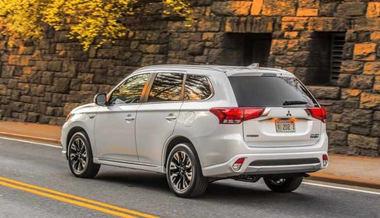 Mitsubishi Reveals a U.S. Release Date for the 2023 Outlander PHEV image