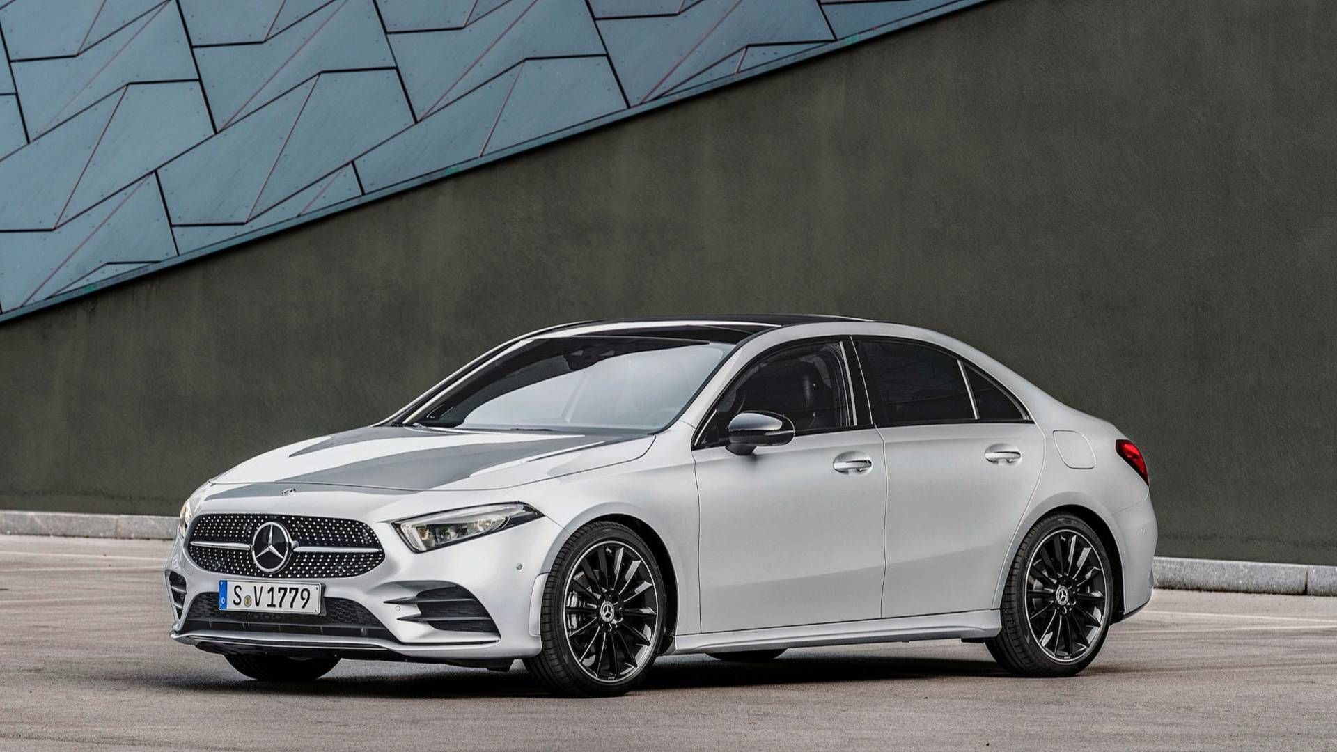 ROAD TEST: 2020 Mercedes A 220 4MATIC Sedan - Car Help Canada