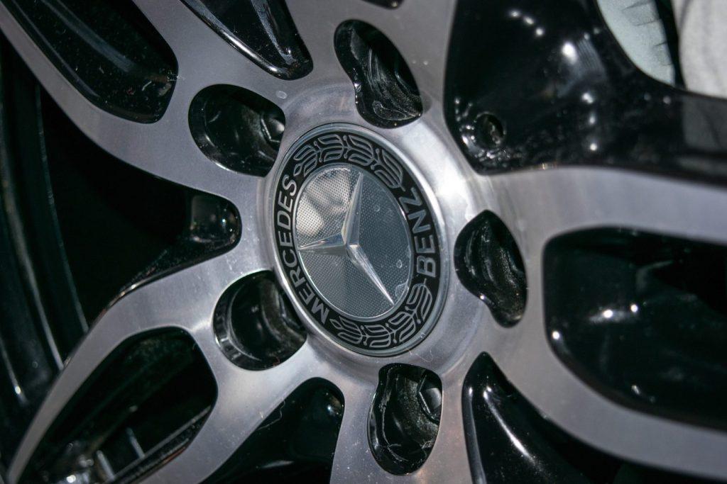 mercedes bremsen wechseln: kosten und hinweise - carhelper blog