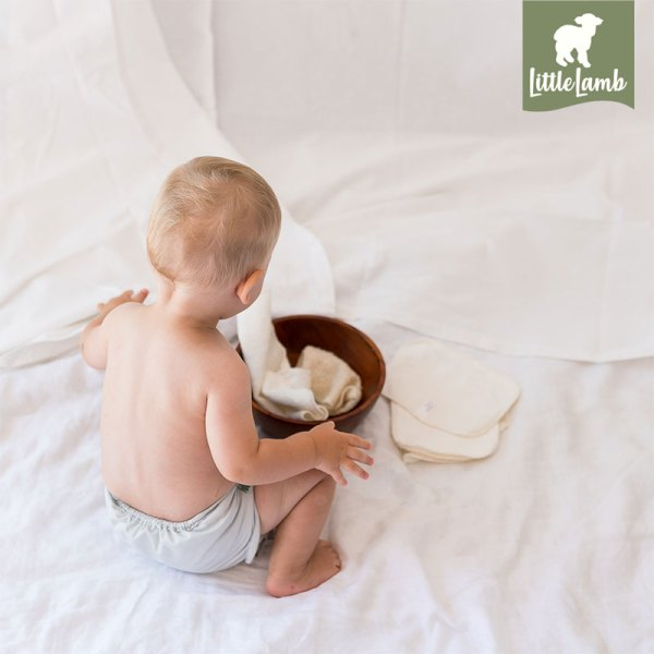 Little-lamb-lifestyle-image-reuseable-wipes-studio
