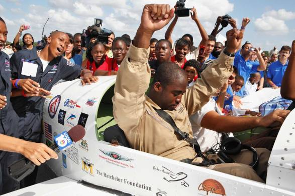 This Day in History: Barrington Irving flew solo around the world -  Caribbean News