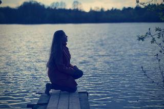 womanprayartempostoevshutterstock_640614742