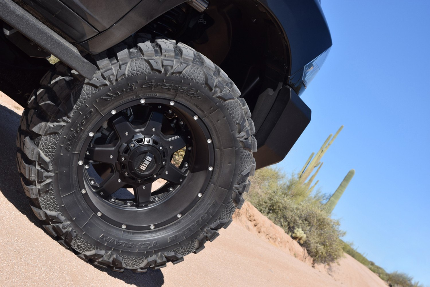 GRID OFFROAD GD1 Wheels  Matte Black with Chrome