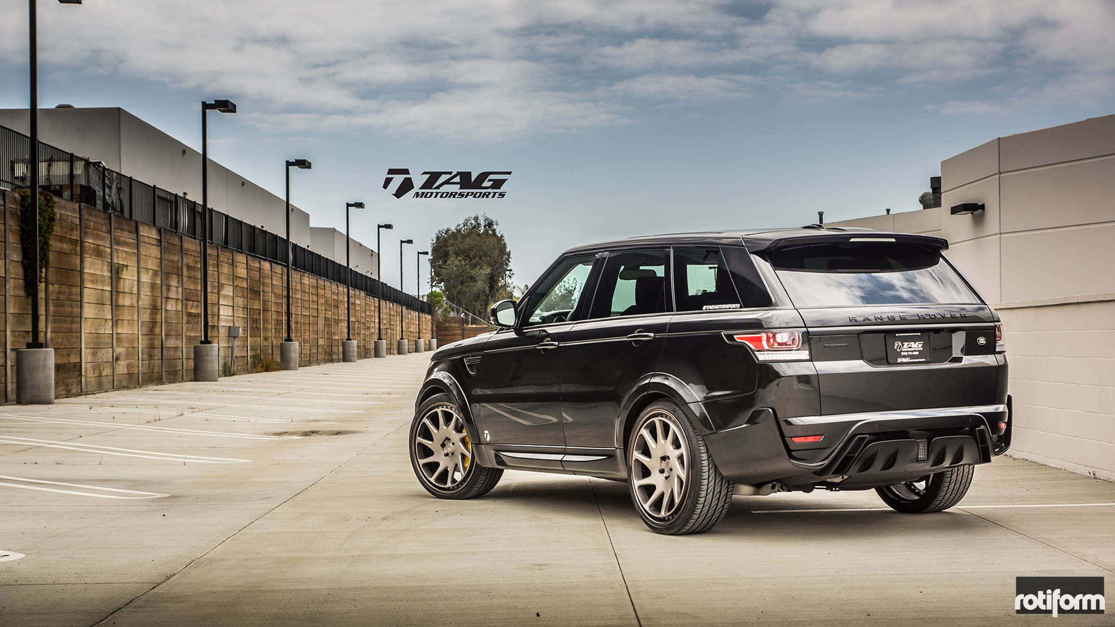 Black is the New Black Stylish Range Rover Sport Rocking Custom