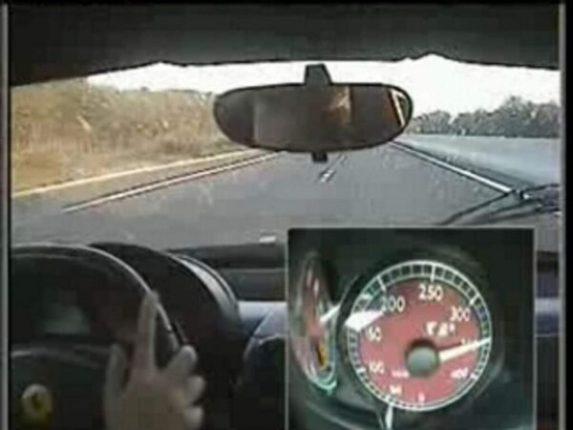 Record de vitesse sur autoroute en Ferrari, Gallardo, et Corvette [vidéo]