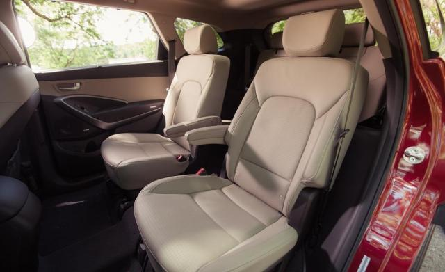 Hyundai Grand Santa Fe 2013