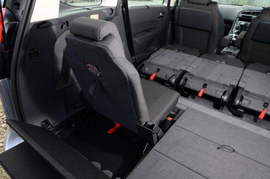 Nouveau Peugeot 5008 2013 sièges pliés