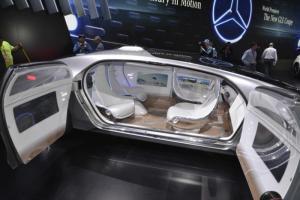 Concept car de voiture autonome Mercedes F015 Luxury in Motion