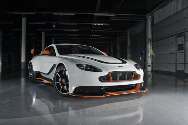 Aston Martin GT3 en Octobre 2015 à partir de 180 000 €