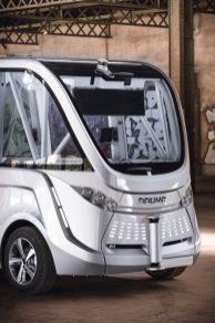 Navya Arma: il peut utiliser un panneau de signalisation pour communiquer avec les passagers