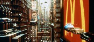 Déjà en 1964 Isaav Asimov prédisait ce que serait l'avenir en 2014, et ma fois il ne s'est guère trompé, le Film le cinquième élément reprend pas mal de ses pensées.