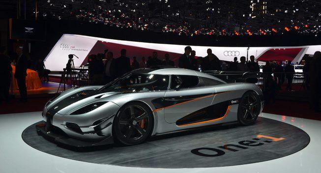 La meilleure Vidéo Koenigsegg et le bruit des modèles de Koenigsegg à ce jour.