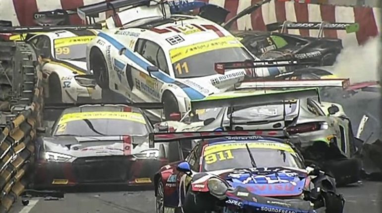 Macau Fia GT GP accident (c) FIA